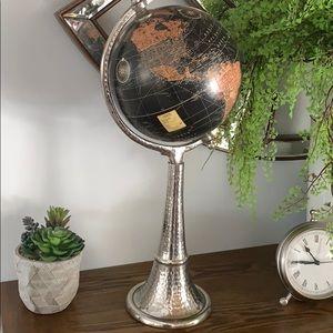 Chrome Globe 🌎